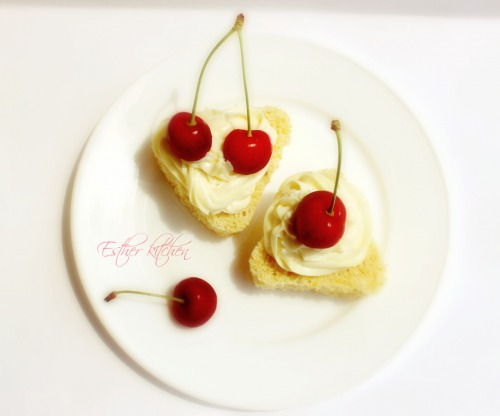 Бісквітно-сирні тістечка «Черешнева втіха»