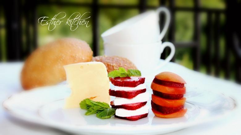 Завтрак для маленького гурмана. Breakfast for a small gourmet.