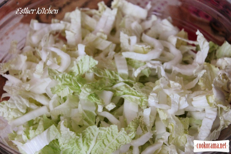 Салат с курицей капустой и виноградом рецепт с