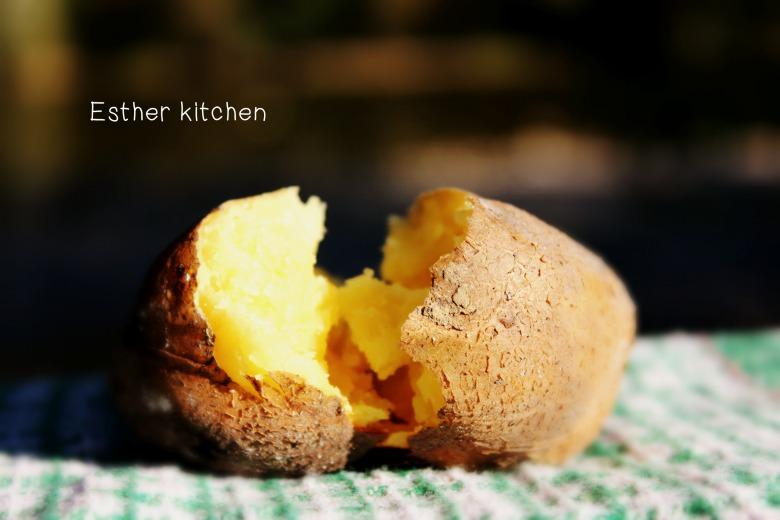 Запечена картопелька на вугіллі