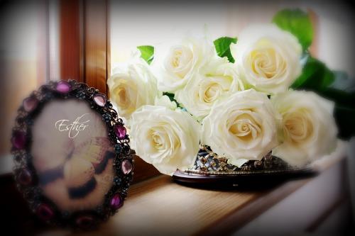 Чарівні, милі, прийміть вітання зі святом!! З днем матері!!