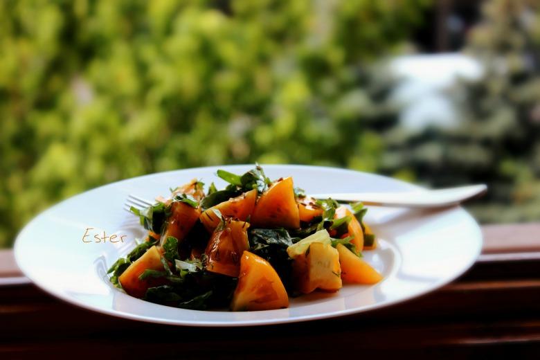 Салат з сонячних томатів