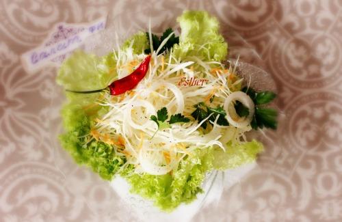 """Салат з капусти """"Belozerka"""" з теплою заправкою."""