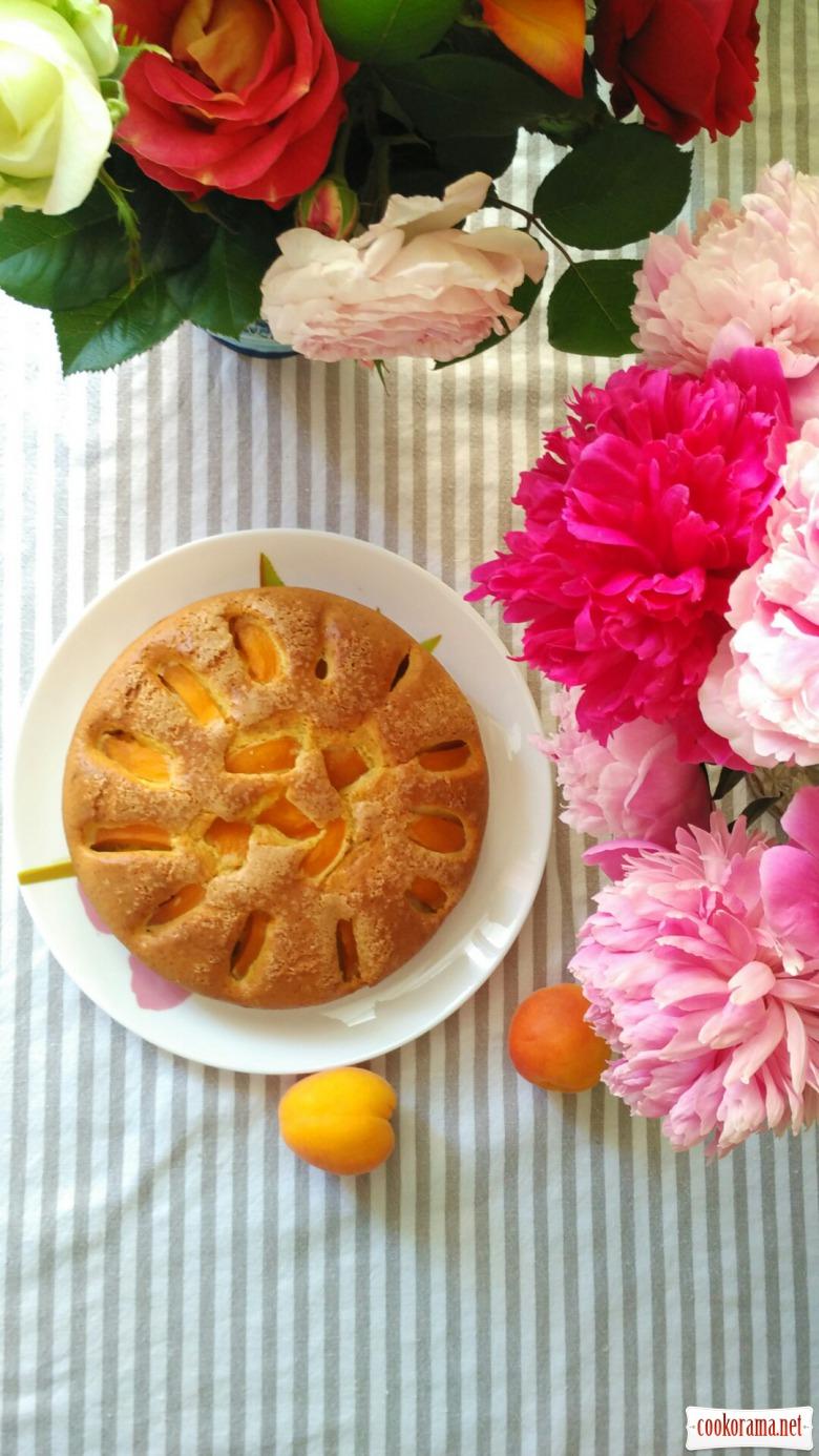 Пиріг абрикосовий
