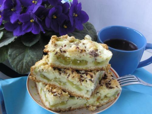 Пиріг пудинговий з ревенем