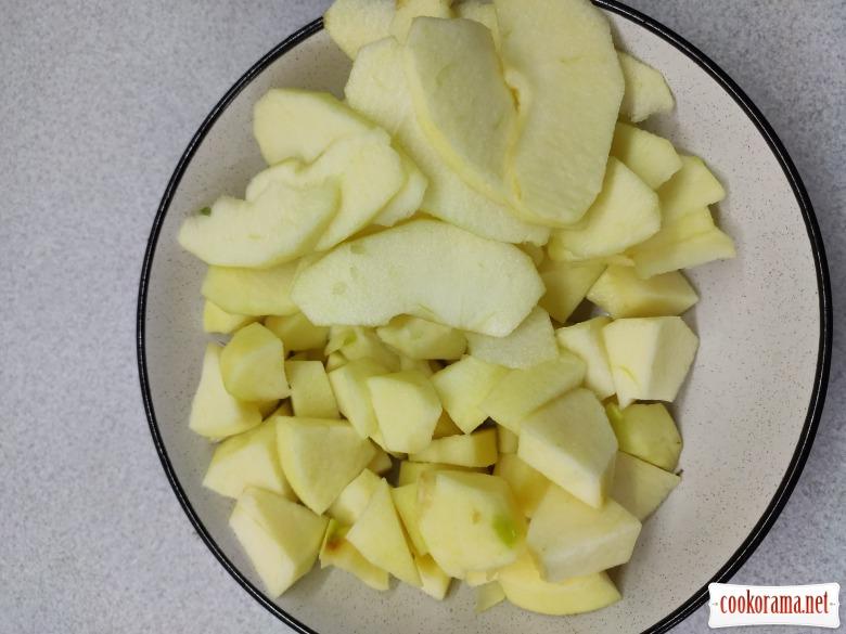 Шарлотка з яблуками.