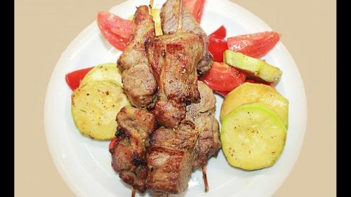 Шашлик зі свинини в духовці - Дуже смачно!