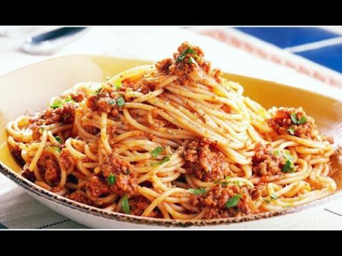 Спагетті болоньєзе по-домашньому