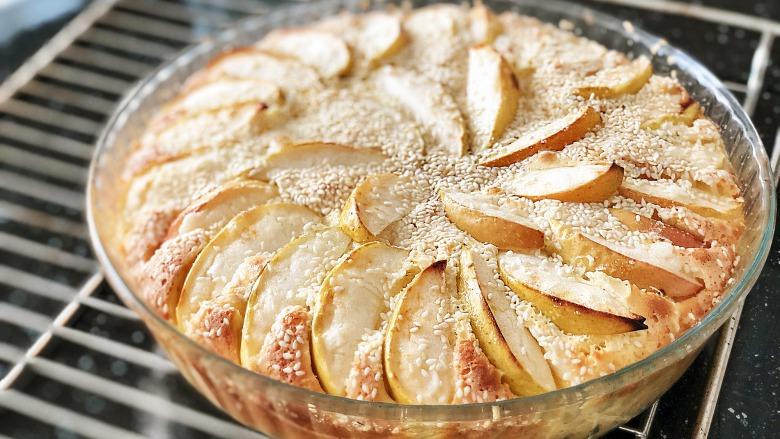Ніжний яблучний пиріг як торт! Швидше зберігайте собі! Рецепт з маминого кулінарного зошиту