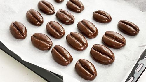 Шоколадне печиво Кавові зерна за 20 хвилин для всіх любителів шоколаду і кави