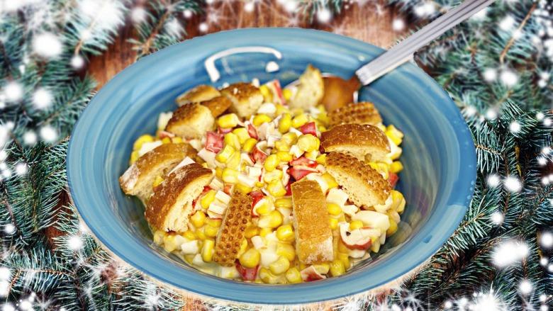 Новинка! Новорічний Салат з крабовими паличками, кукурудзою і сухариками без майонезу по-новому!