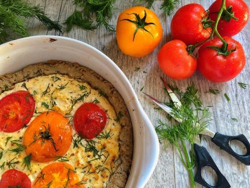Киш с сыром Лябан, помидорами из овсяной муки