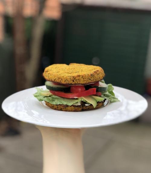 Вегетеріанський бургер з чудовим складом, смачно і по домашньому