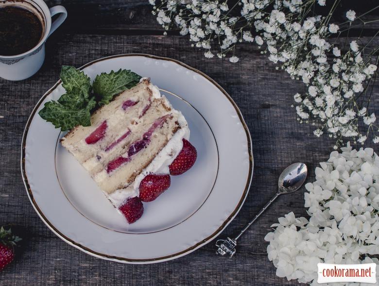 Торт «Полуничне літо»