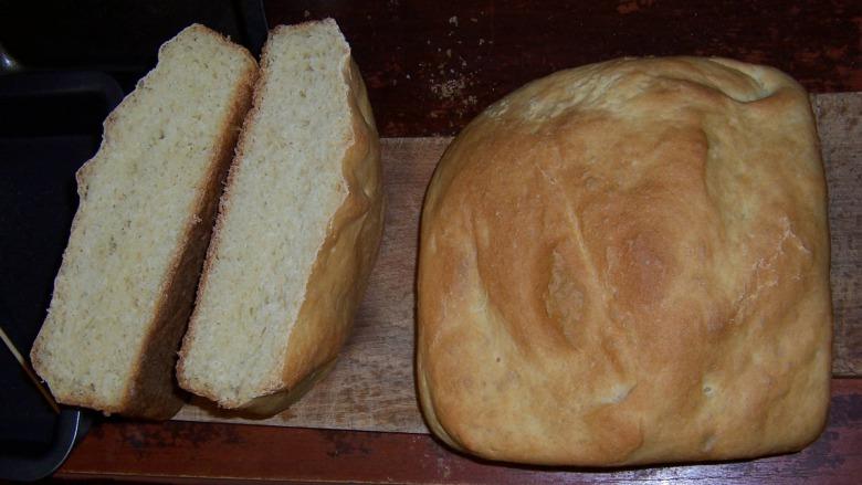 Хліб з ярої крупки (Semolina) з олією на сироватці