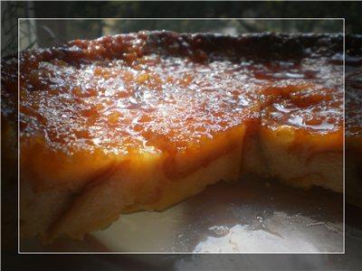 Хлібний пудинг з карамеллю