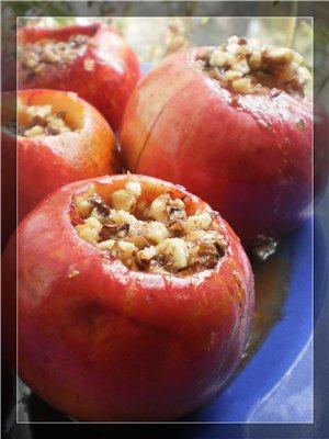 Яблука запечені