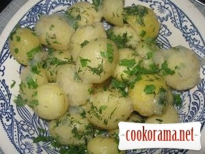 Potato with garlic sauce