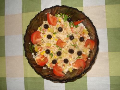 Рис с тунцом и ананасом по-португальски
