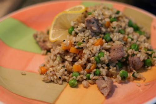 Маринованная говядина с рисом и овощами