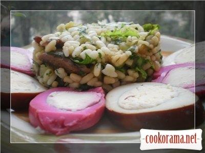 Салат с орзо, свининой и зеленью
